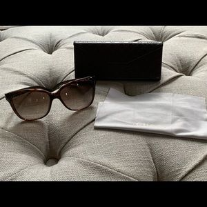 Gucci Sunglasses with leather case